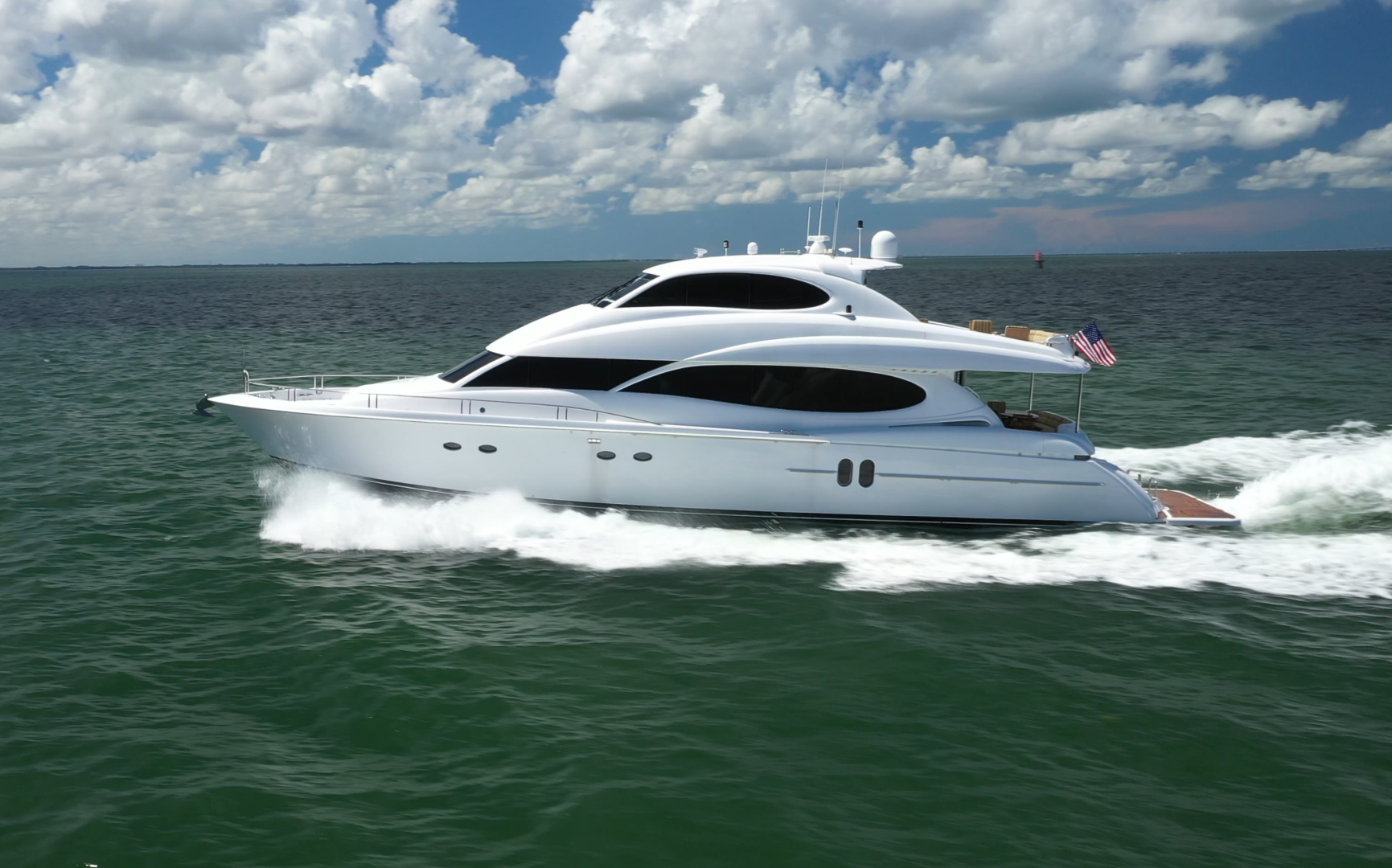 Picture Of: 80' Lazzara 80 Skylounge 2006 Yacht For Sale   1 of 54
