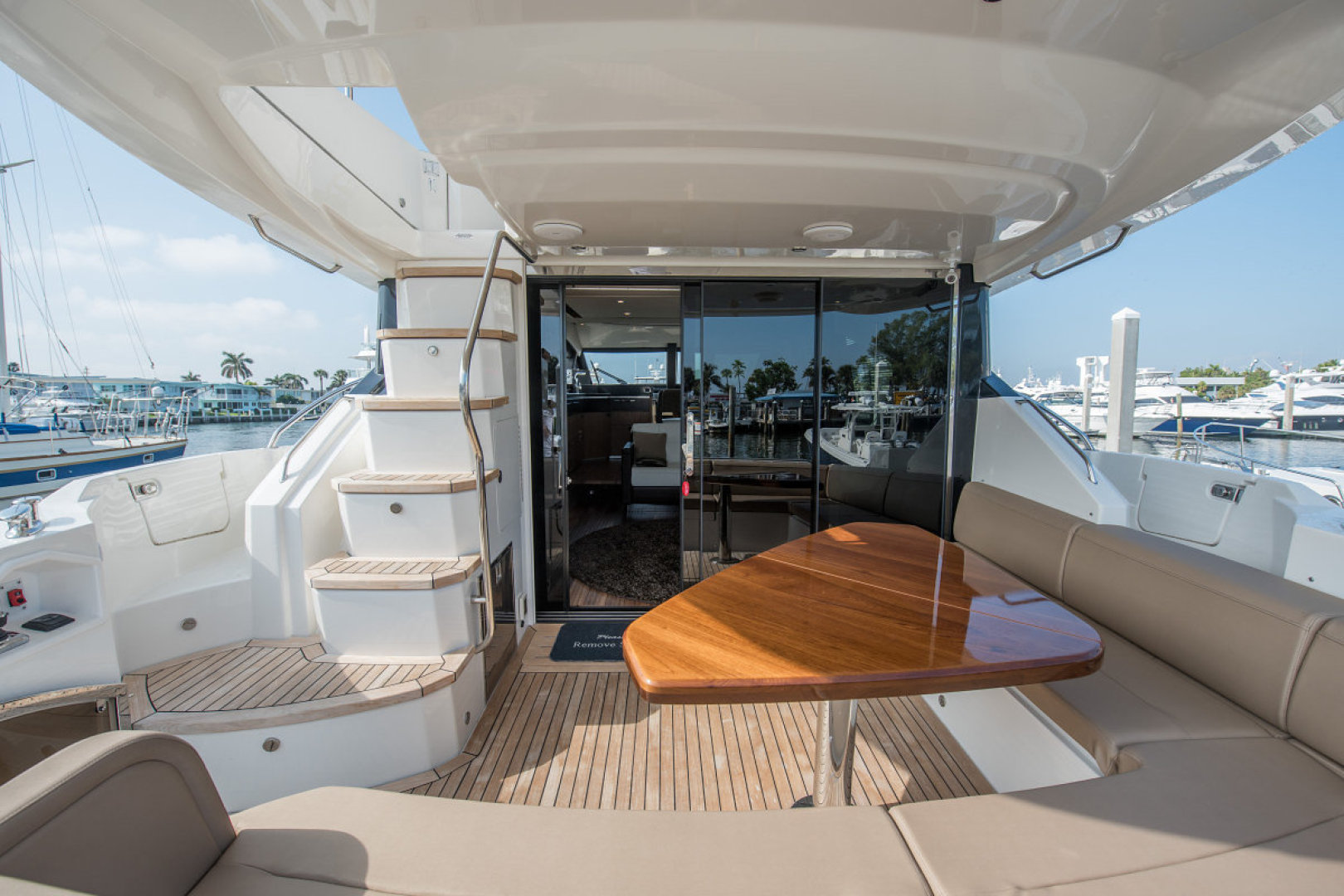 Picture Of: 59' Sea Ray L590 Fly 2016 Yacht For Sale | 2 of 45
