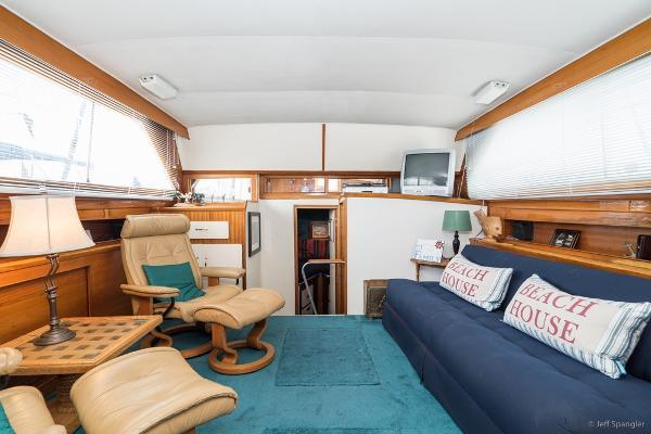 Picture Of: 39' Pacemaker Motoryacht 1973 Yacht For Sale | 2 of 57