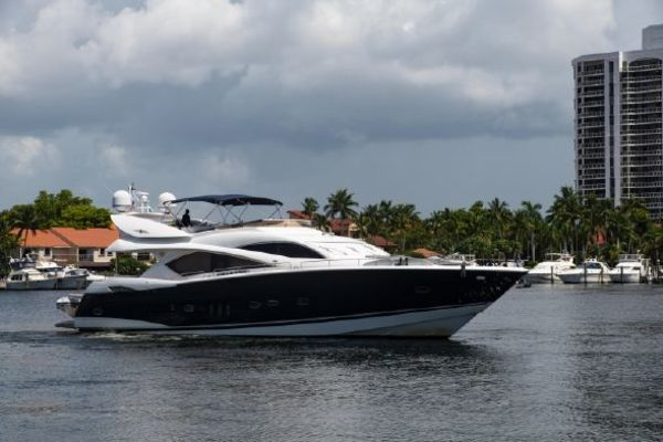 Picture Of: 82' Sunseeker 82 Manhattan 2004 Yacht For Sale   1 of 87