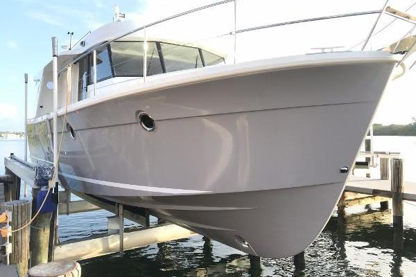 Picture Of: 34' Beneteau Swift Trawler 34 S 2016 Yacht For Sale | 3 of 46