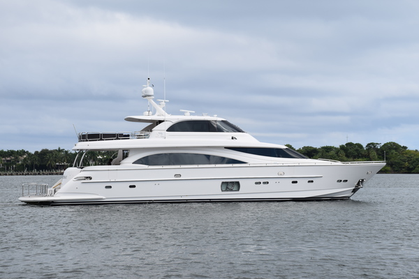Picture Of: 94' Horizon E88 2015 Yacht For Sale | 1 of 103