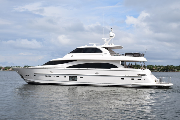 Picture Of: 94' Horizon E88 2015 Yacht For Sale | 2 of 103