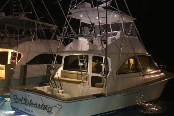 Picture Of: 52' Ocean Sport Sportfish 2004 Yacht For Sale | 2 of 45