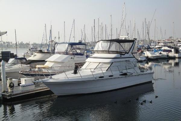 Picture Of: 44' Vantare Convertible Sportfishermannn 1988 Yacht For Sale   3 of 32