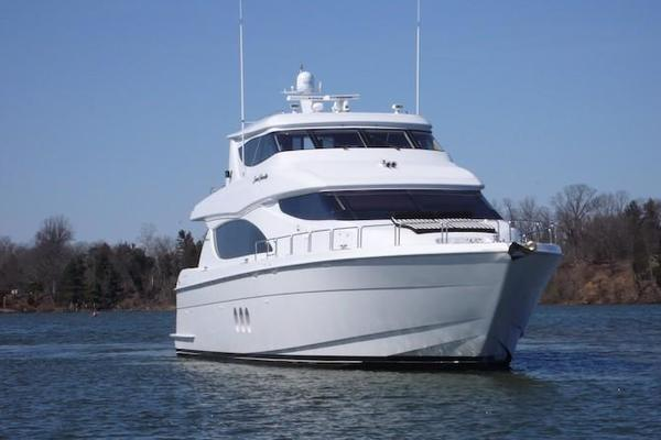 Picture Of: 80' Hatteras Sky Lounge Motor Yacht 2005 Yacht For Sale   3 of 69
