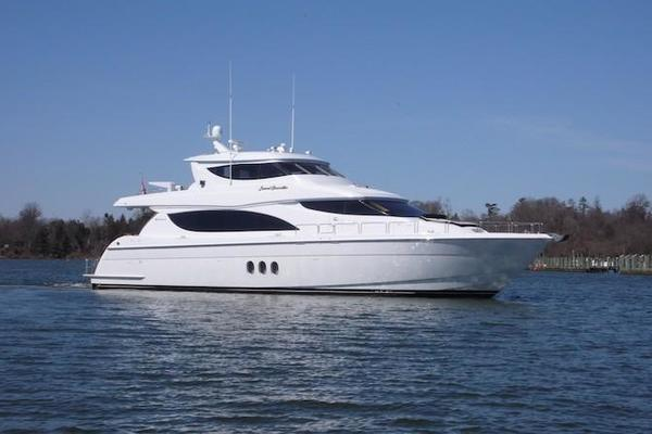 Picture Of: 80' Hatteras Sky Lounge Motor Yacht 2005 Yacht For Sale   1 of 69