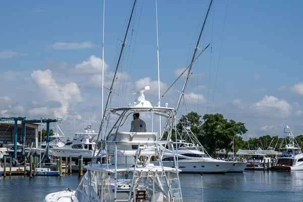Picture Of: 43' Release Walkaround 2014 Yacht For Sale   4 of 29