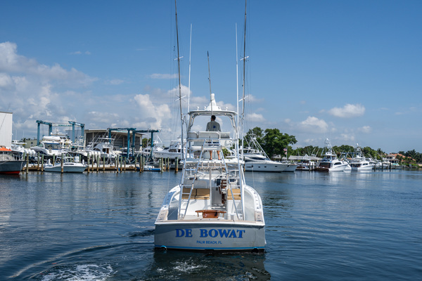 Picture Of: 43' Release Walkaround 2014 Yacht For Sale   3 of 29