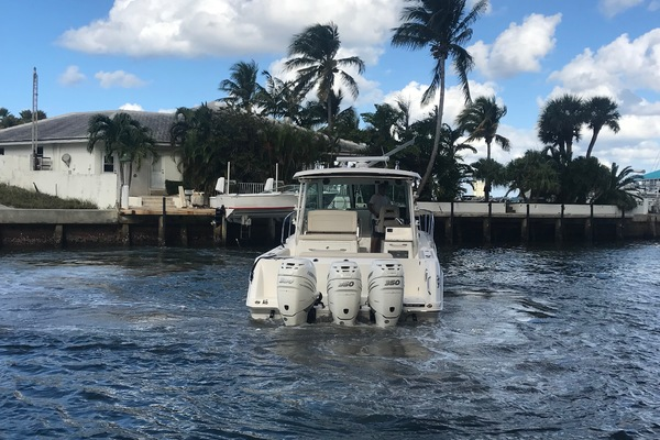 Picture Of: 34' Boston Whaler 345 Conquest 2018 Yacht For Sale | 4 of 24