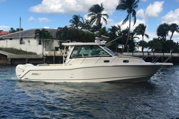 Picture Of: 34' Boston Whaler 345 Conquest 2018 Yacht For Sale | 1 of 24