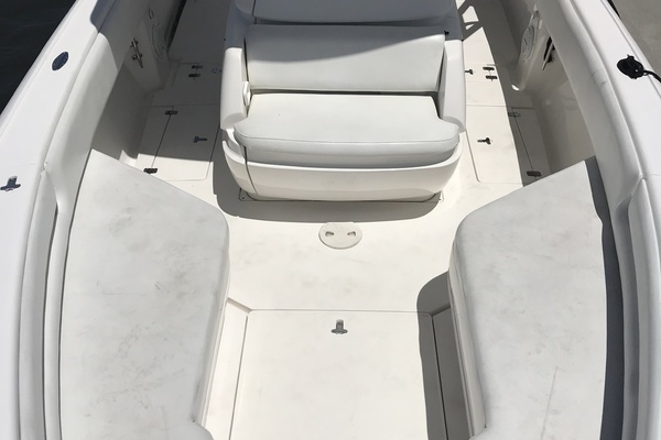2006Intrepid 30 ft 300 Center Console   T T MITseaAH