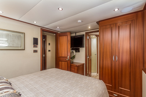 LIQUIDITY is a Platinum  Yacht For Sale in Jacksonville--33