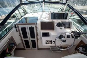 is a Grady-White 272 Sailfish WA Yacht For Sale in Vancouver, BC-Cockpit Forward-3
