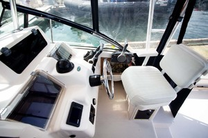 is a Grady-White 272 Sailfish WA Yacht For Sale in Vancouver, BC-Helm Set-6