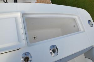 is a Regulator 28FS Yacht For Sale in Hampstead--18