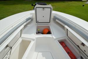 is a Regulator 28FS Yacht For Sale in Hampstead--39