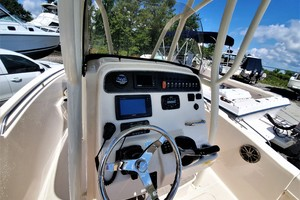 is a Grady-White 209 Sportfisherman Center Console Yacht For Sale in Urbanna--4